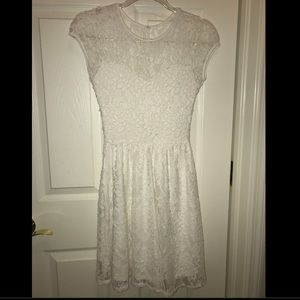 Other - White floral lace dress